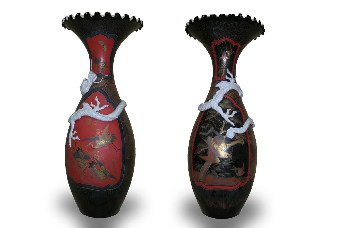 Paire de vases japonais, Japon, vers 1870, porcelaine laquée et dorée, Legs Basinet 1933 (inv.85.1.315).